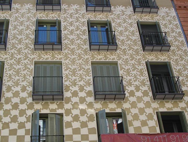 Madrid facade graphics