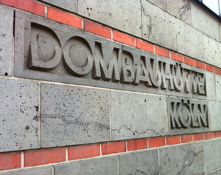 Dombauhütte signage